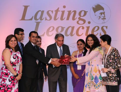 jn_tata_scholarships_ratan_tata_with_winners