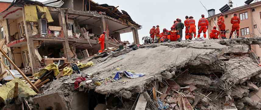 disaster management Emergency and disaster management in the framework of response and recovery, there is a large difference between the terms emergency and disaster.