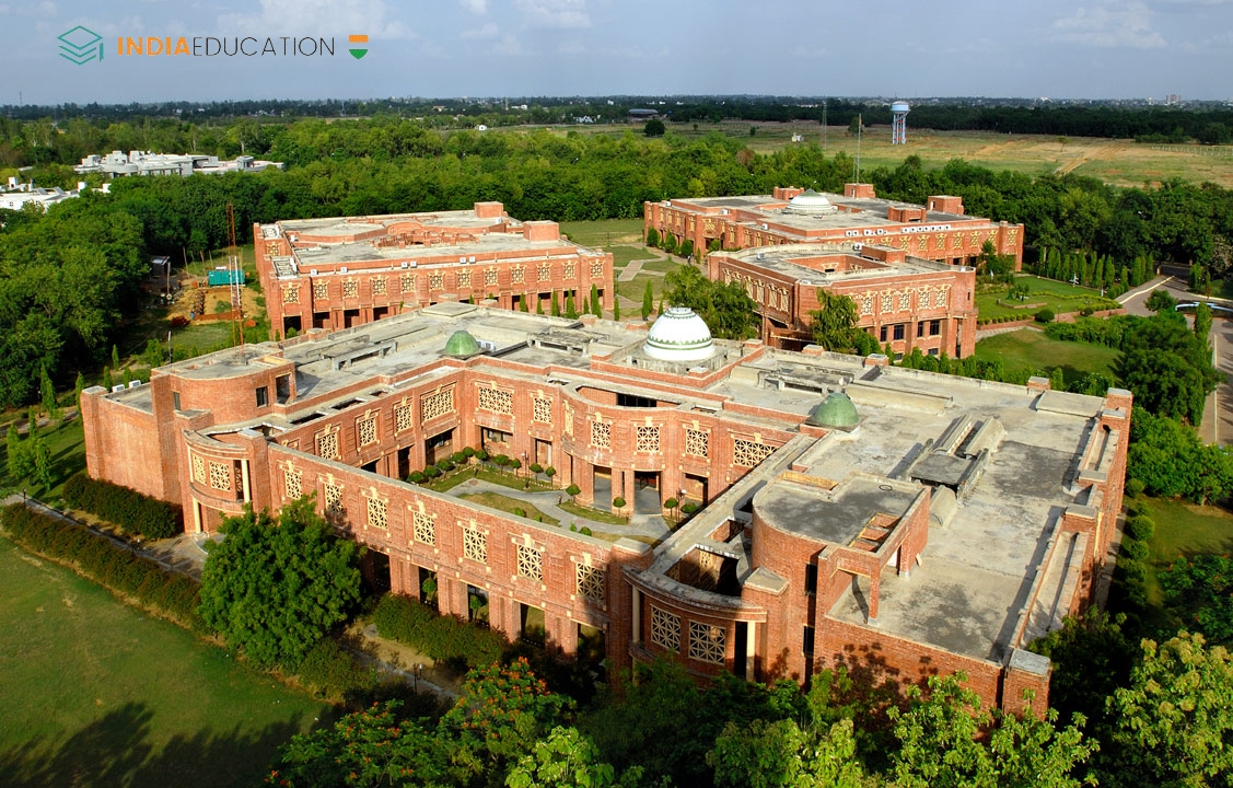 IIM Lucknow - 100% Placement in 3 days in 2017