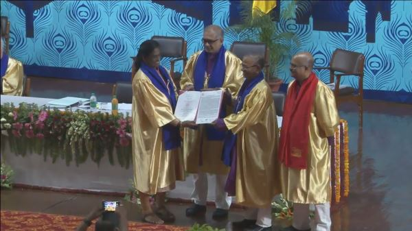 pt_usha_honorary_doctorate_iit_kanpur_convocation